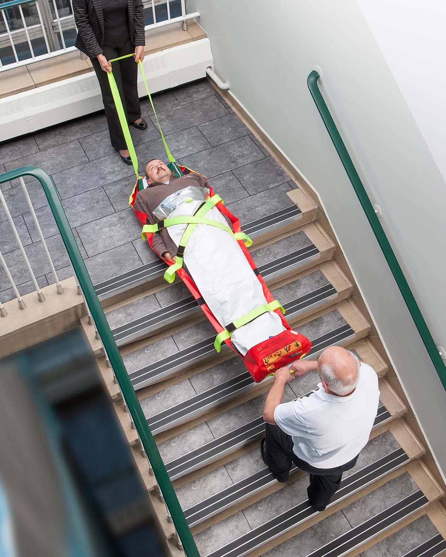 Evacuación vertical por escalera con el AlbacMat